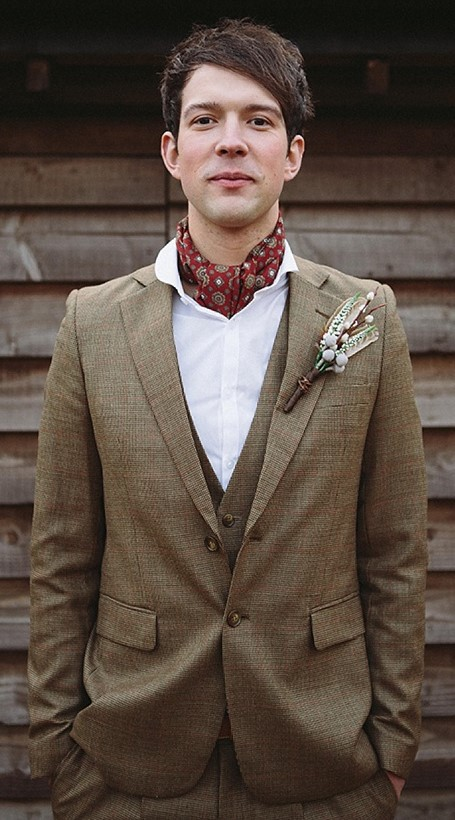 english-heritage-groom-neckerchief.jpg